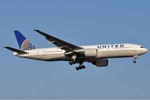United_Airlines_Boeing_777-200_Meulemans blame anesthesia united airlines blames